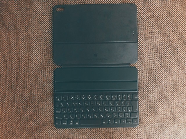 11インチiPad Pro用Smart Keyboard Folio