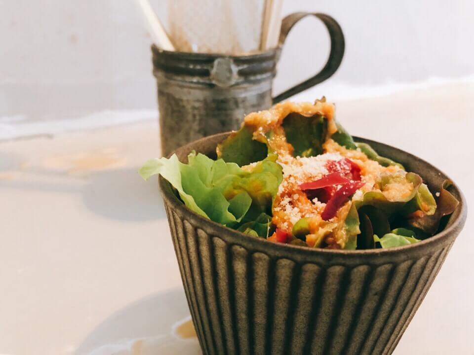 JunバーグLunchのサラダ
