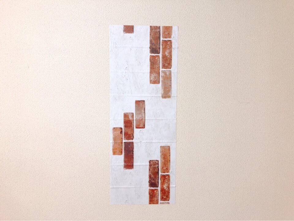ダイソーリメイクシート ポイントレンガ柄を壁に貼ってみた