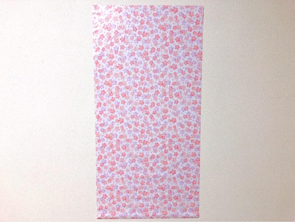 ダイソーの筒状のリメイクシート ふんわり桜を壁に貼ってみた