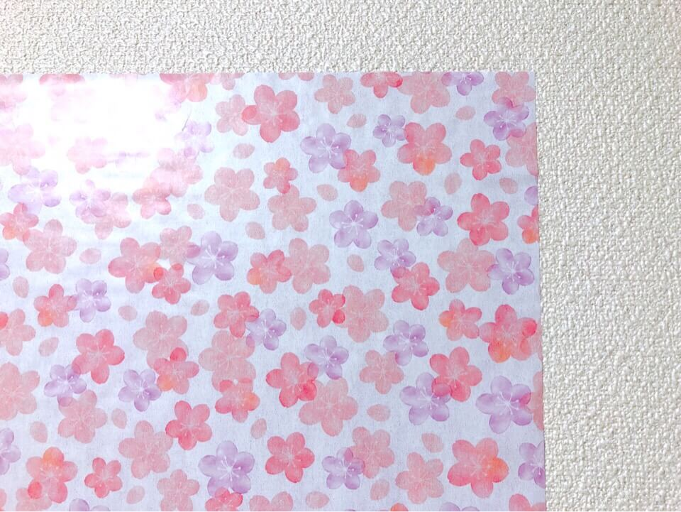 ダイソーの筒状のリメイクシート ふんわり桜を間近で見る