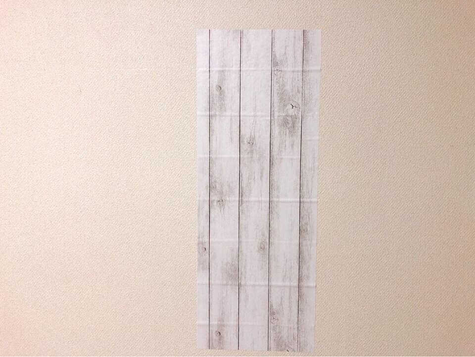 ダイソーリメイクシート 板壁風シャビーシックホワイトを壁に貼ってみた
