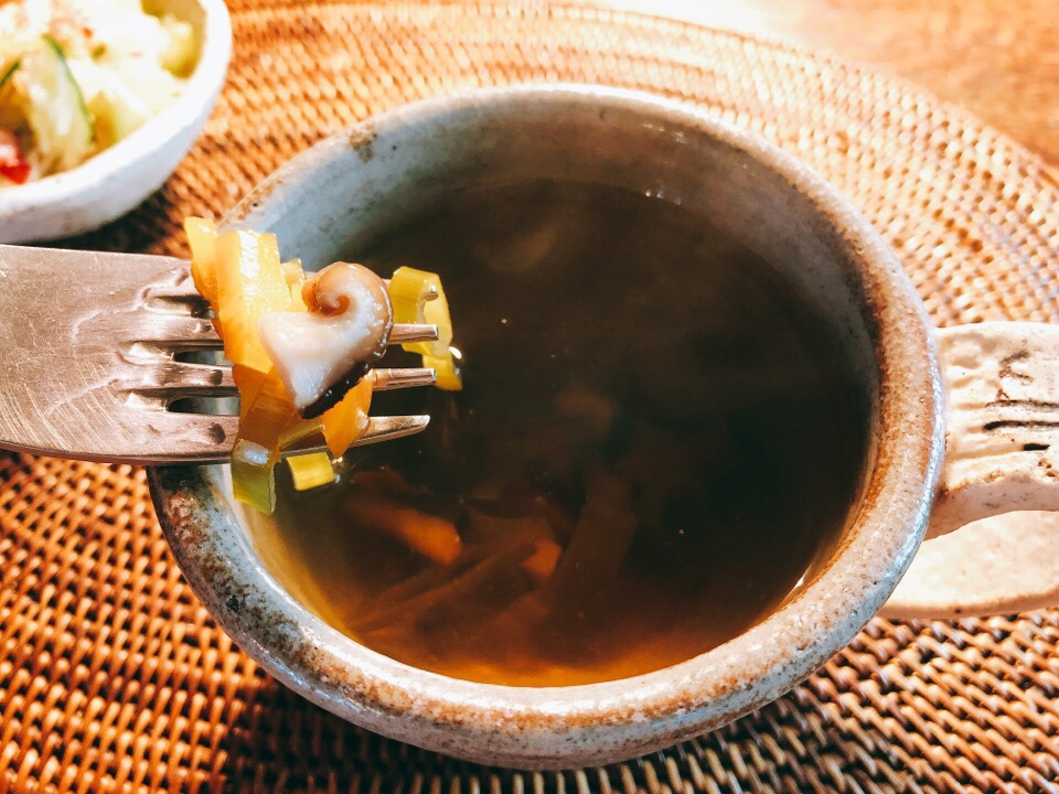 カフェ・ド・ジーノのクリーミードリアについてくるミニスープの中の具