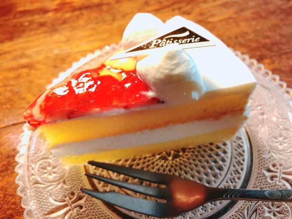 カフェ・ド・ジーノのケーキ「ブラマンジェ」