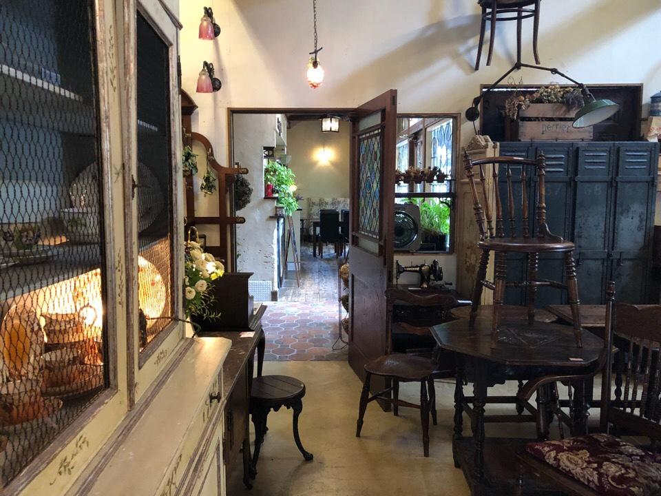 シシングハーストのカフェの入り口