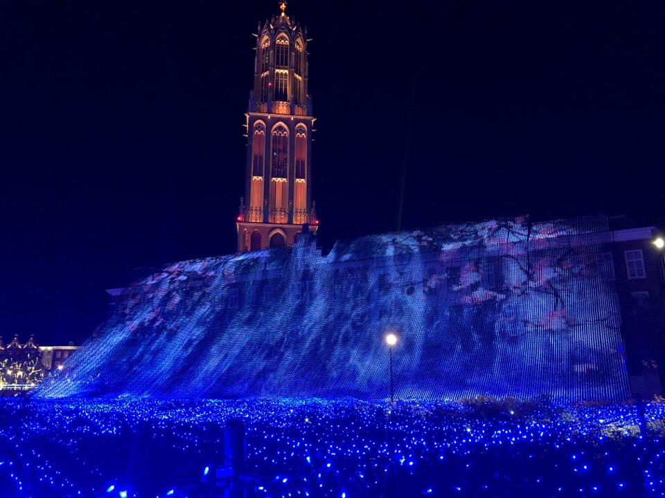 ハウステンボス光の王国の光の滝ブルーウェーブ