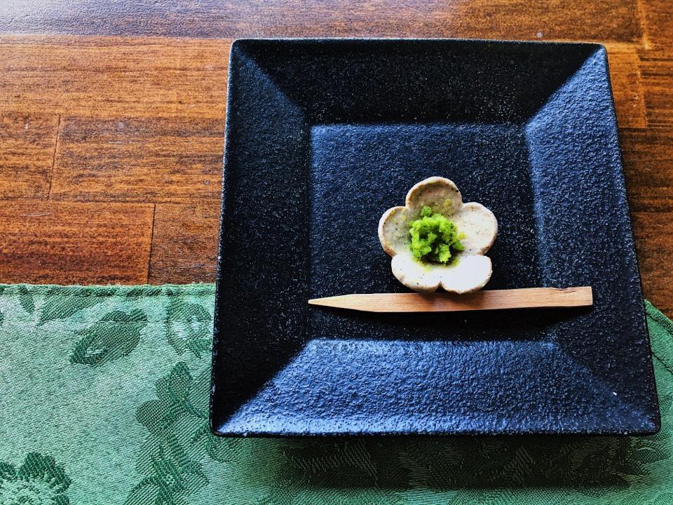 梅蓮のパスタランチについてきた柚子胡椒の器が可愛い