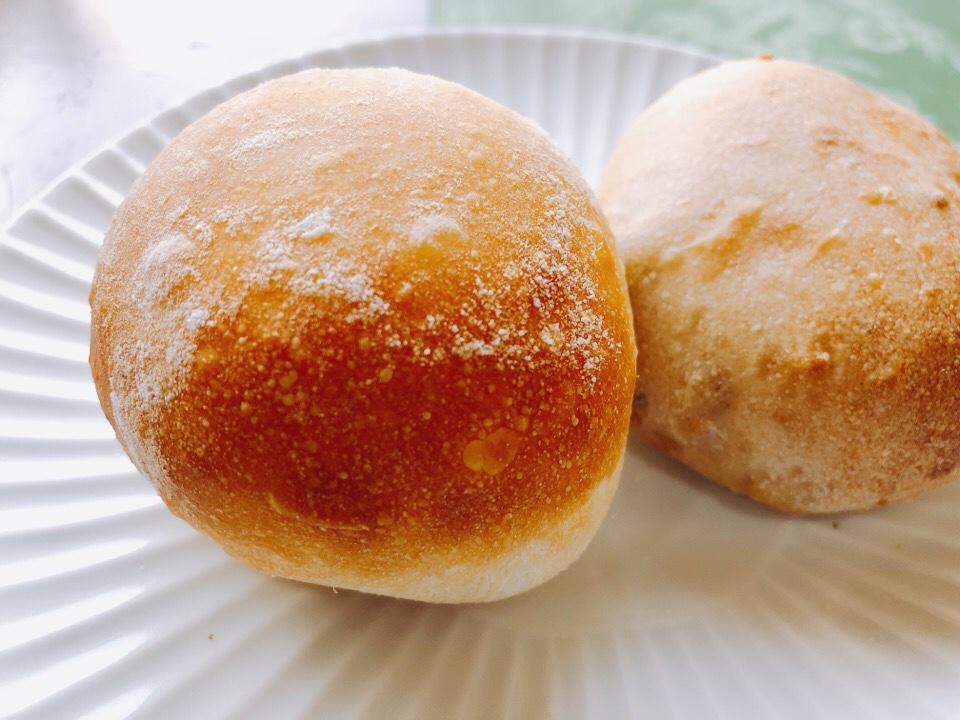梅蓮のランチの自家製パンはおかわり自由