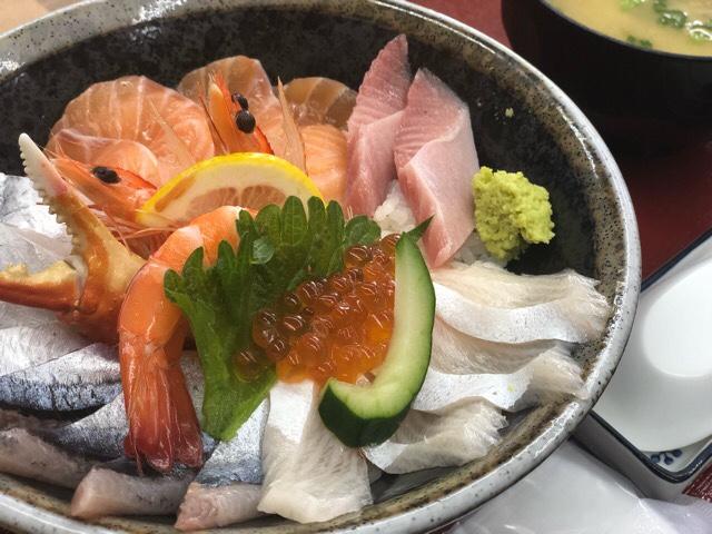 竹野鮮魚のまかない飯「海鮮丼」