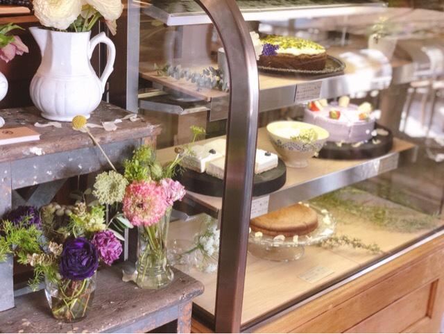 アンボワーズのランチタイムでもケーキは注文可能